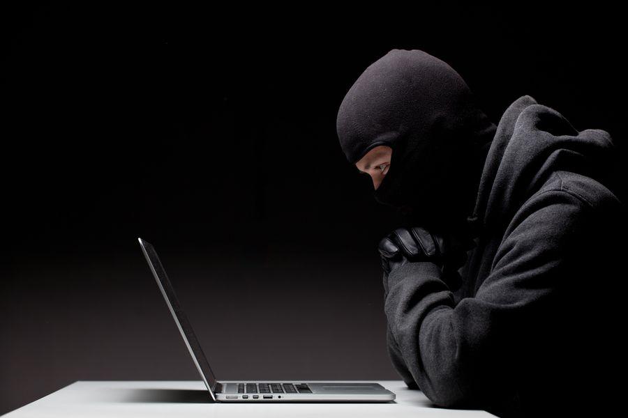 Dziennie dochodzi do ok. 100 tysięcy cyberataków na Polskę.