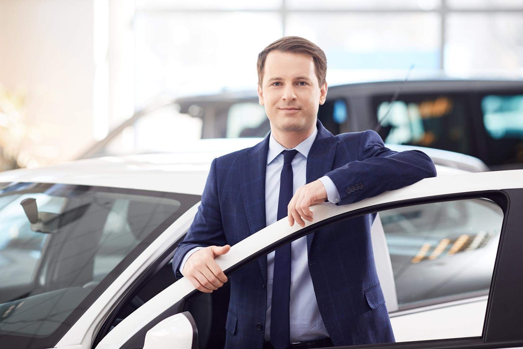 Praca u dealera marki BMW